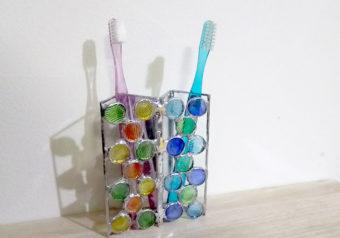 おしゃれ可愛いステンドグラス歯ブラシ立て